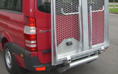 Udvendig DK lift med rørkant. Her monteret med aftageligt cykelstativ.