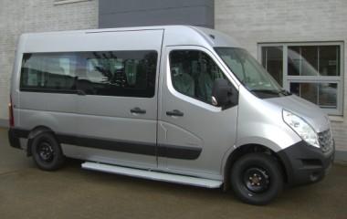 Renault Master L2H2 opbygget til transport af kørestol.