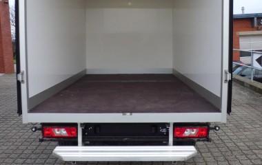 Ford Transit - standard sandwichkasse med LED Rail, bevægelsescensor og dobbelte bagdøre